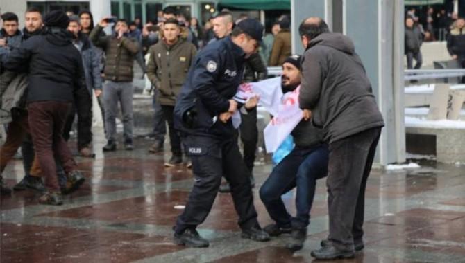 47 gündür direnen TOKİ işçilerinin eylemine polis müdahalesi