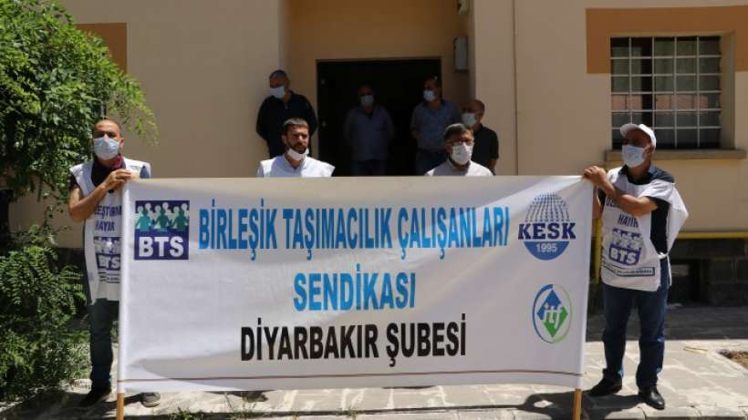 84 Demiryolu emekçisinin sürgünü İzmir, Adana ve Diyarbakır'da protesto edildi