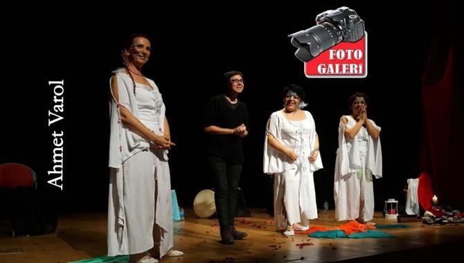 Ahmet Varol: Üç şeffaf kadın