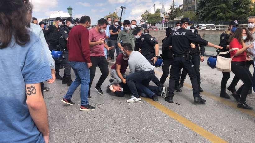 Ankarada İSİGin açıklamasına polis saldırdı: 8 gözaltı