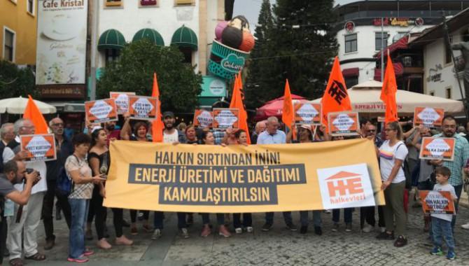 Antalya'da elektrik zammı protestosu: Halkın sırtından inin