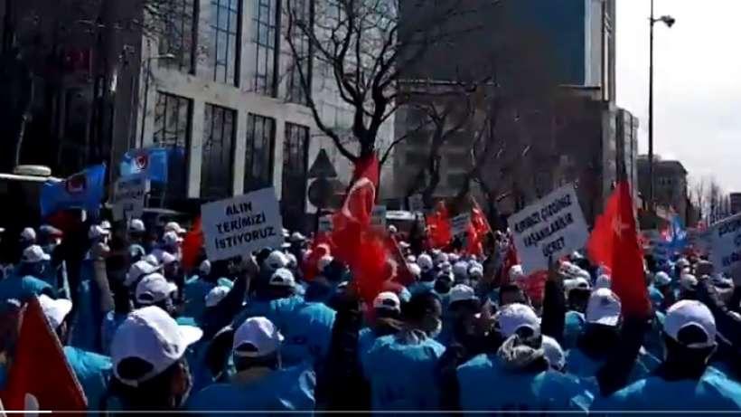 BEDAŞ işçileri toplu iş sözleşmesi talebiyle eylem yaptı