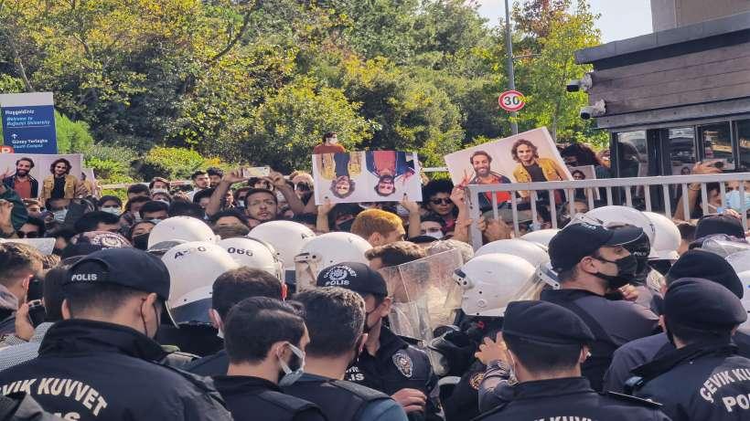 Boğaziçi eylemine polis saldırdı