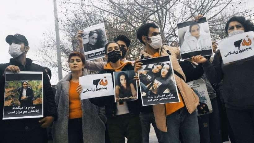 Denizli'deki 4 İranlı mültecinin sınır dışı kararına karşı dava açıldı