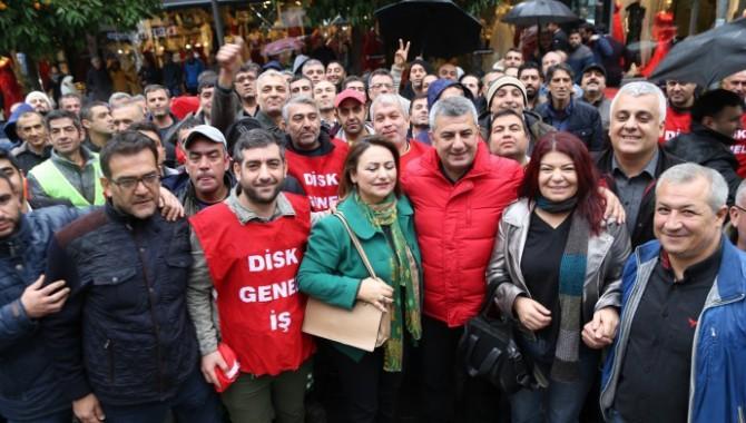 DİSK üyeleri: Asgari ücret 3 bin 200 TL olmalı