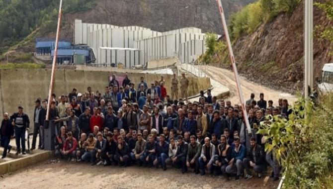 """Gümüşhane Yıldız Bakır maden işçileri : """"Alınterimizin karşılığını istiyoruz"""""""