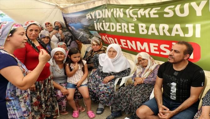 Haluk Levent önce Kızılcaköylü kadınları sonra lösemi hastası baba kızı ziyaret etti
