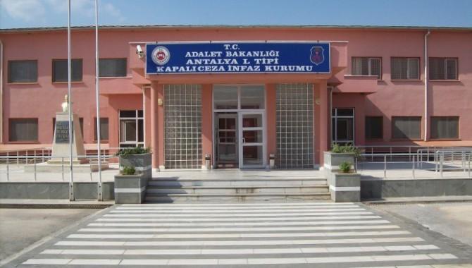 İHD'den uyarı: Antalya'da 3 hasta tutuklunun hayati tehlikesi var