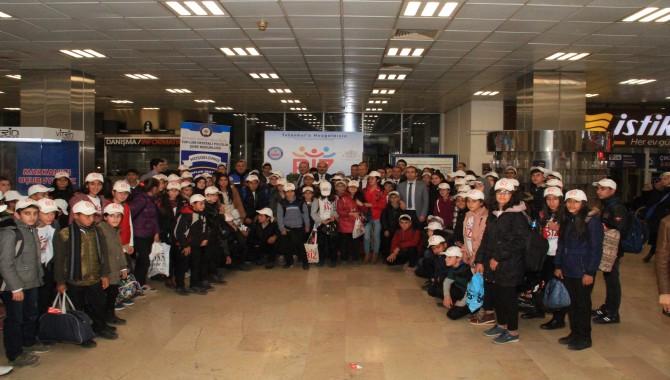 İstanbul'a ilk kez gelen 100 öğrenci Kartal'da ağırlandı