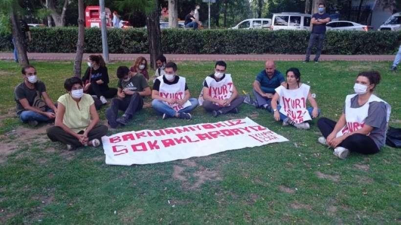 İzmir'de üniversite öğrencileri çadır nöbeti başlattı