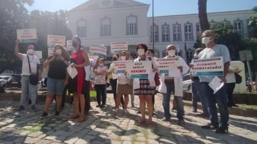 İzmir'de aile hekimlerden yevmiye cezasına protesto
