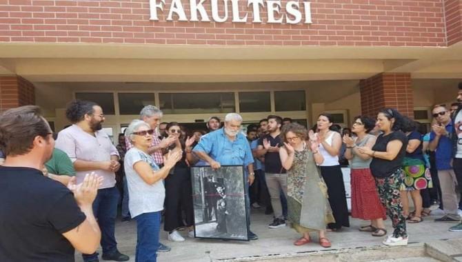 İzzet Baysal Üniversitesi'nden ihraç edilen akademisyenler alkışlarla uğurlandı