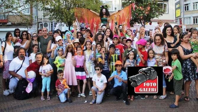 """Kadıköy'de barış şöleni: """"Çocuklar barış istiyor"""""""