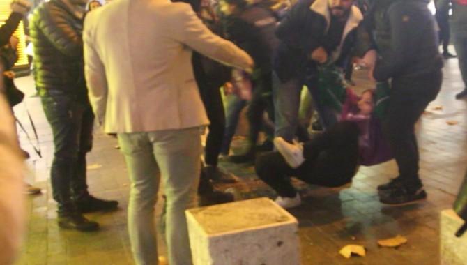Kadın cinayetlerini protesto eden Devrimci Parti üyesi iki kişi gözaltına alındı