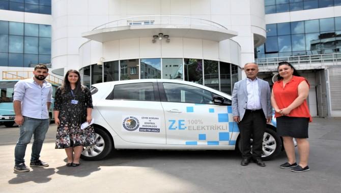 Kartal Belediyesi'nden %100 elektrikli otomobil ile çevre hizmeti