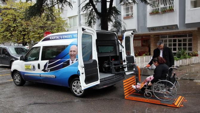 Kartal Belediyesi'nden 'Engelsiz Taksi' hizmeti