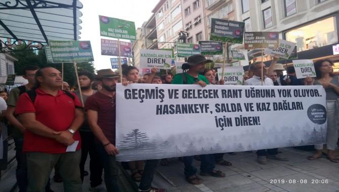 """""""Kaz dağları, Hasankeyf, Salda, Fatsa, Munzur, Eskişehir'de ekolojik katliamlara izin vermeyeceğiz"""""""