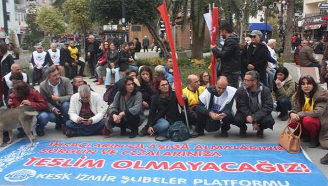 KESK İzmir Platformu'ndan ihraçlara karşı oturma eylemi