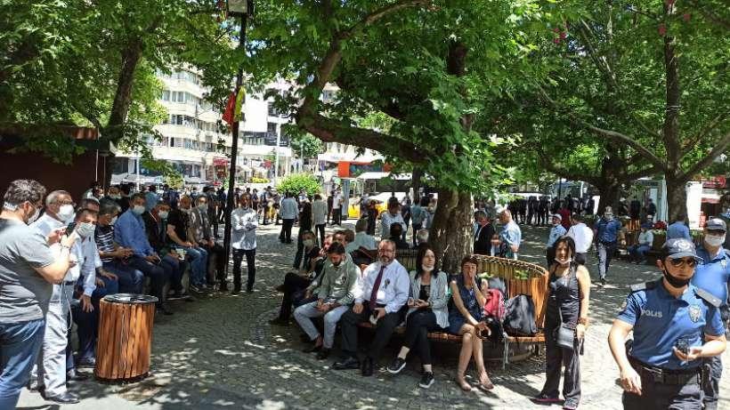 Kuğulu Park'ta baro başkanları polis ablukasına alındı