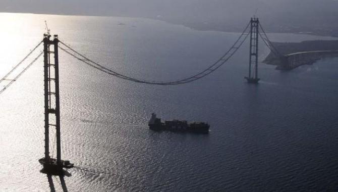 'Körfez Köprüsü inşaatı 30 gün içinde durmalı'