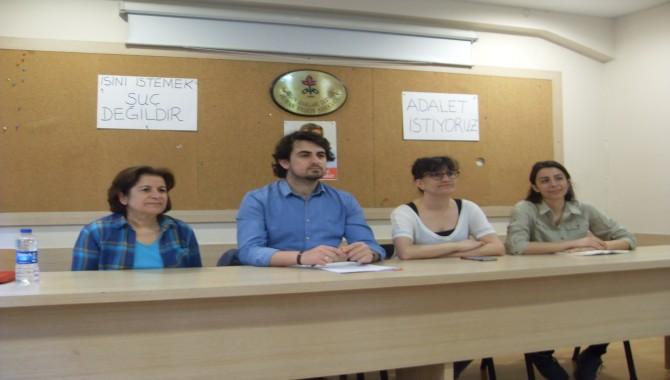 """Öğretmenler: """" Haksızlığa uğradık, işimize dönmek için oturma eylemleri yapıyoruz"""""""