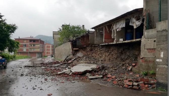 Ordu'da sel felaketi: 165 kişi mahsur kaldı, 4 köprü yıkıldı