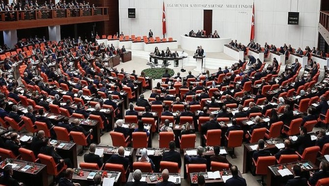 Pervin Buldan da dahil 10 HDP'li vekil Mecliste açlık grevine başlıyor