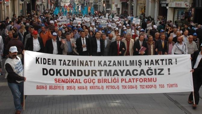 Petrol-İş: Kıdem tazminatımıza dokunulursa, genel greve çıkarız!