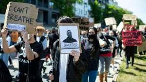 ABD'deki ırkçılık karşıtı eylemler dünyaya yayıldı