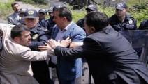 Açlık grevindeki madencileri  ziyaret eden vekillere izin verilmedi