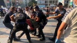 Ankara'da Suruç anmasına polis saldırısı; çok sayıda gözaltı var