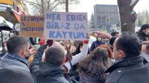 """Ankara'da üniversiteli kadınların, """"Kadın üniversitesi istemiyoruz"""" eylemi I Gözaltılar var"""