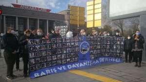 Ankara Garı önünde katliamda yaşamını yitirenleri anıldı I 64 aydır öfkeliyiz