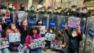 Avcılar Kadın Platformu'nun 8 Mart sergisine polis engeli