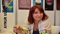 Aynur Uluç: Kübik şiirlerin şairi