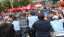 Bolu İl Milli eğitim müdürüne protestoya polis müdahalesi