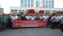 """Bursa'da 37 kuruluş: """"Darbe'ye hayır, çözüm eşit, özgür, demokratik Türkiye"""" dedi."""