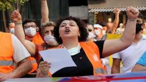 CHP'li gençlerden 'Sosyal Medyama Dokunma' eylemi