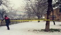 Biri çocuk üç kişiyi boğazlarını keserek öldürdüler