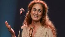 En İyi Kadın Oyuncu Ödülü'nü alan Köklükaya ödülünü Nuriye ve Semih'e ithaf etti