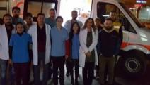 Gönüllü sağlıkçılar yaralılar için Cizre yolunda