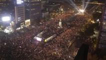 Güney Kore'de Cumartesi eylemleri sürüyor