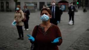 İspanya'da sağlık emekçileri çalışma şartlarını protesto etti