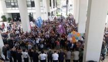 İzmir Büyükşehir Belediyesinde emekçilerin onayladığı TİS imzalandı