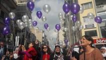 İzmir'de Leyla Güven ve tüm mahpus kadınlar için balonlu eylem