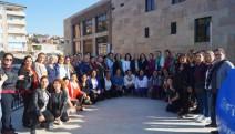 Kadınlar Maltepe Cemevi'nde Alevilerin sorunlarını tartıştı