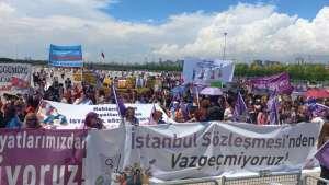 Kadınlar ve LGBTİ+'lar Maltepe'den seslendi: İstanbul Sözleşmesi'nden #Vazgeçmiyoruz