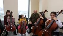 Kartal Belediyesi Sanat Akademisi öğrencileri ilk konserini verdi