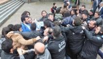 KTÜ'de Ensar Vakfına  protesto, 22 öğrenciye gözaltı