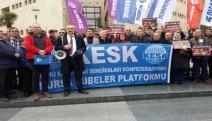 BES Aysun Torun'a 'meslekten men' cezası verilmesini protesto etti